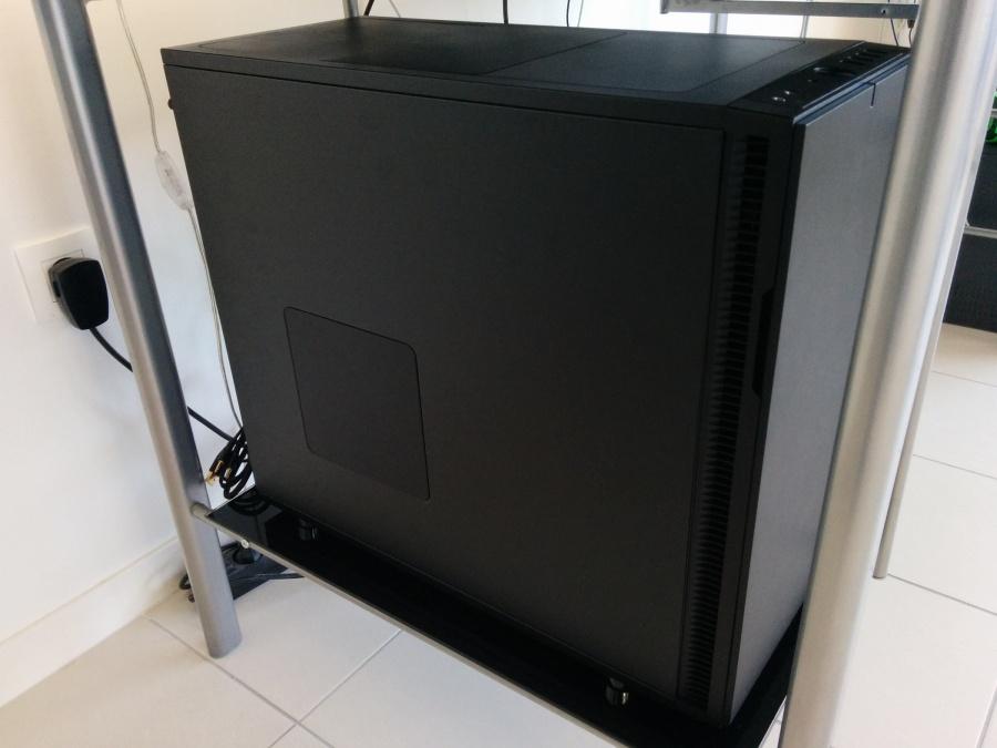avis sur le pc gamer canhard de config. Black Bedroom Furniture Sets. Home Design Ideas